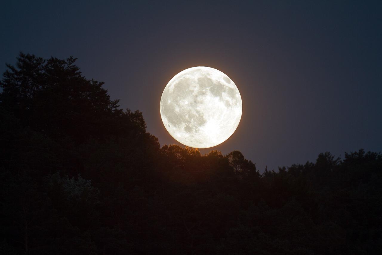 牡牛座の満月
