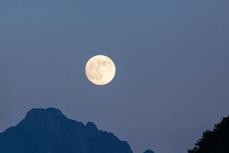 獅子座の月蝕