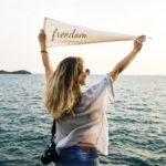 一瞬で心が豊かな人になる方法〜誰にでも与えられている、完全に自由なこととは?